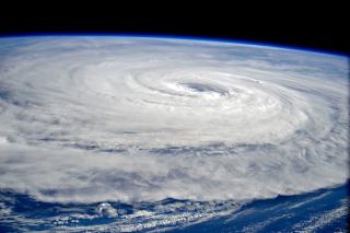 Typhoon-noru-cosmonaut-sergey-ryazansky-iss